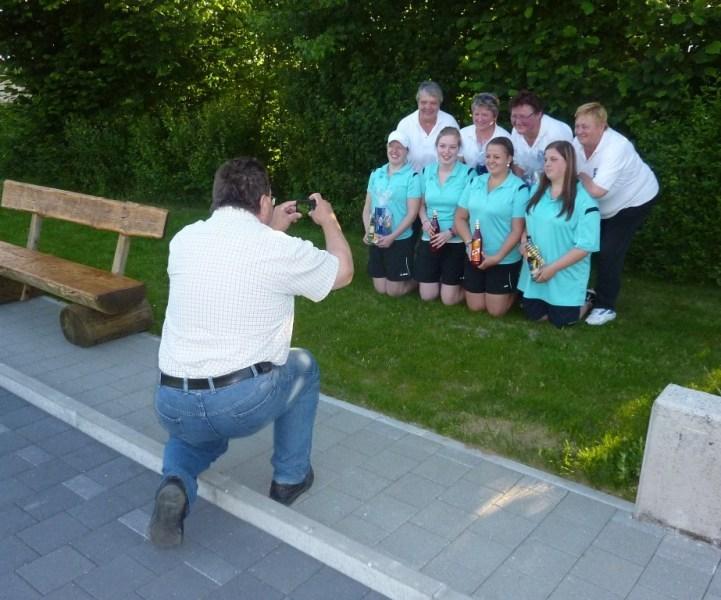 2012-06-16-10-Presse-Sepp-Ostermair-beim-fotoshooting-1.-Dießen-und-2.-Platz-Welshofen-1