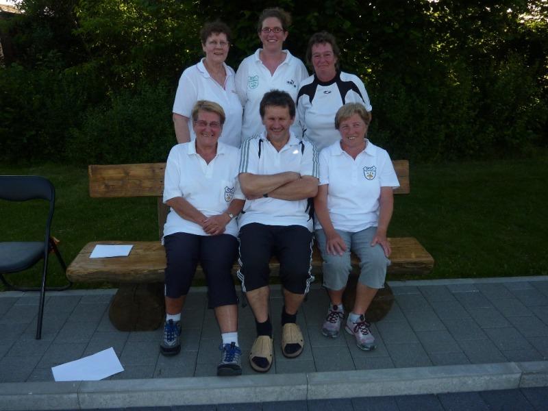 2012-06-16_-11das-EC-Team-mit-Vorstand-1